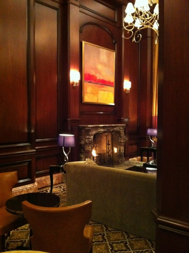 Lounge at the Intercontinental Kansas City