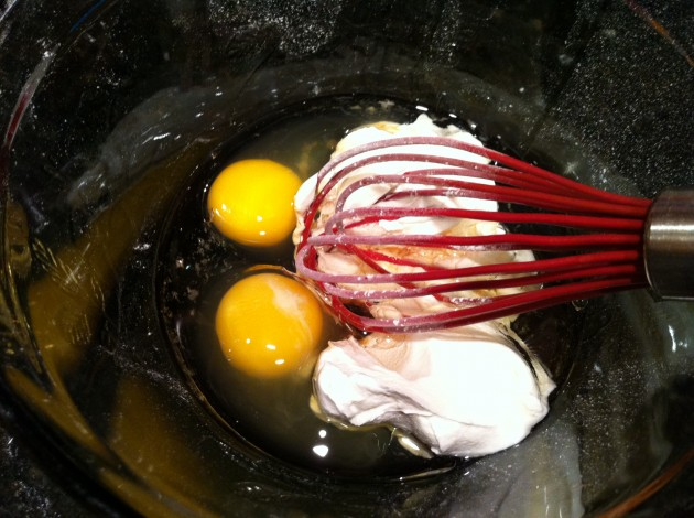 Eggs, Sour Cream, Vegetable, Oil, and Vanilla Extract for Belgian Waffle Recipe