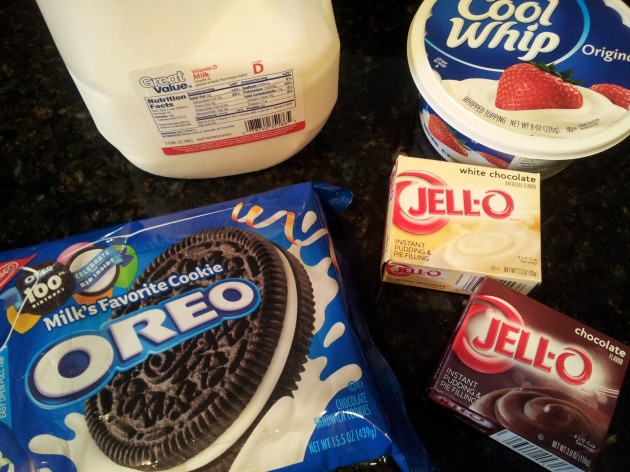 Ingredients for Pudding Layer Dessert with Oreos