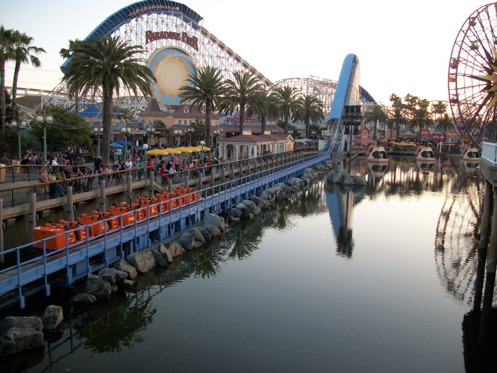 California Screamin Roller Coaster Paradise Pier Disney's California Grand Adventure