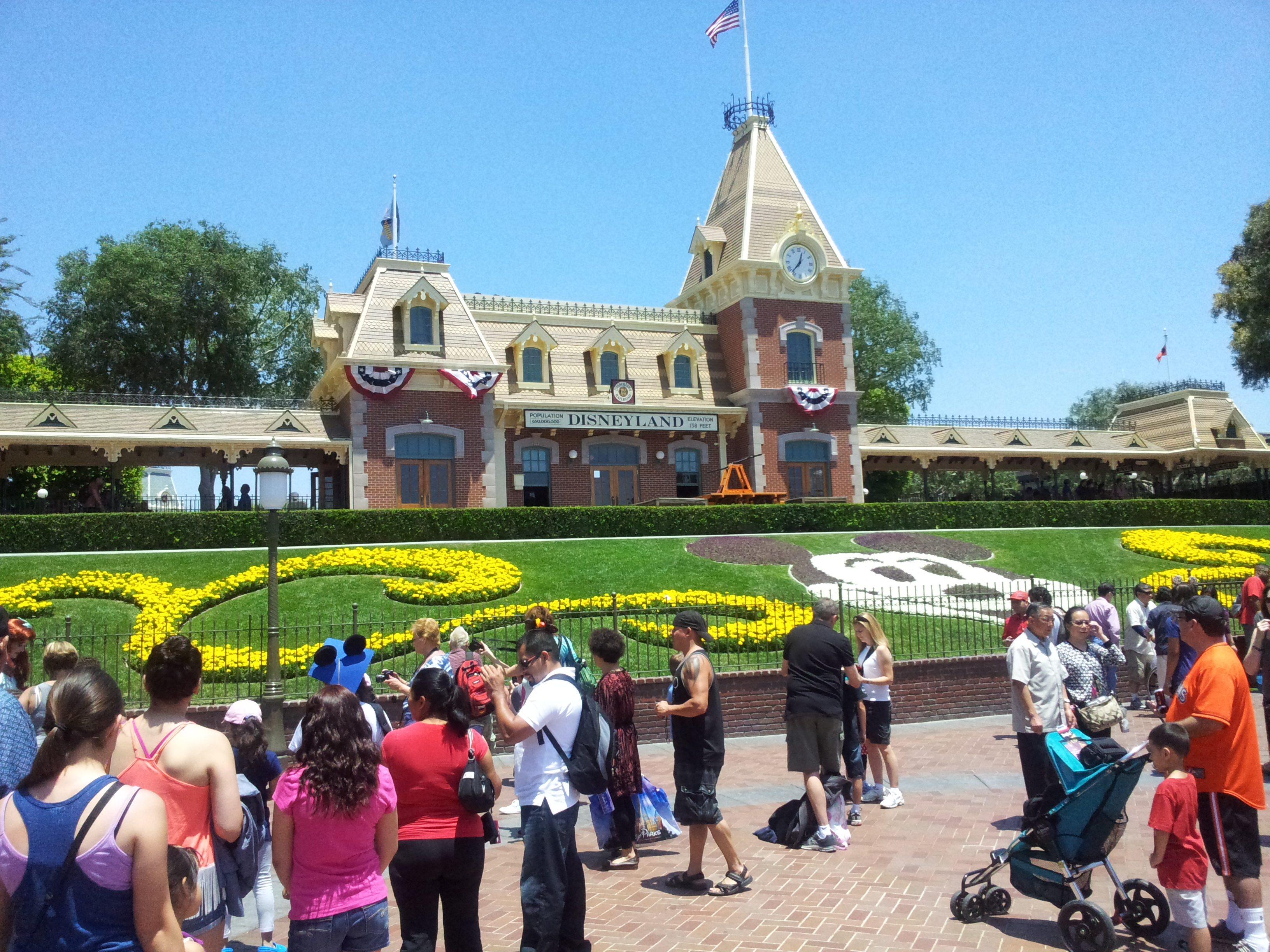 Disneyland California Entrance
