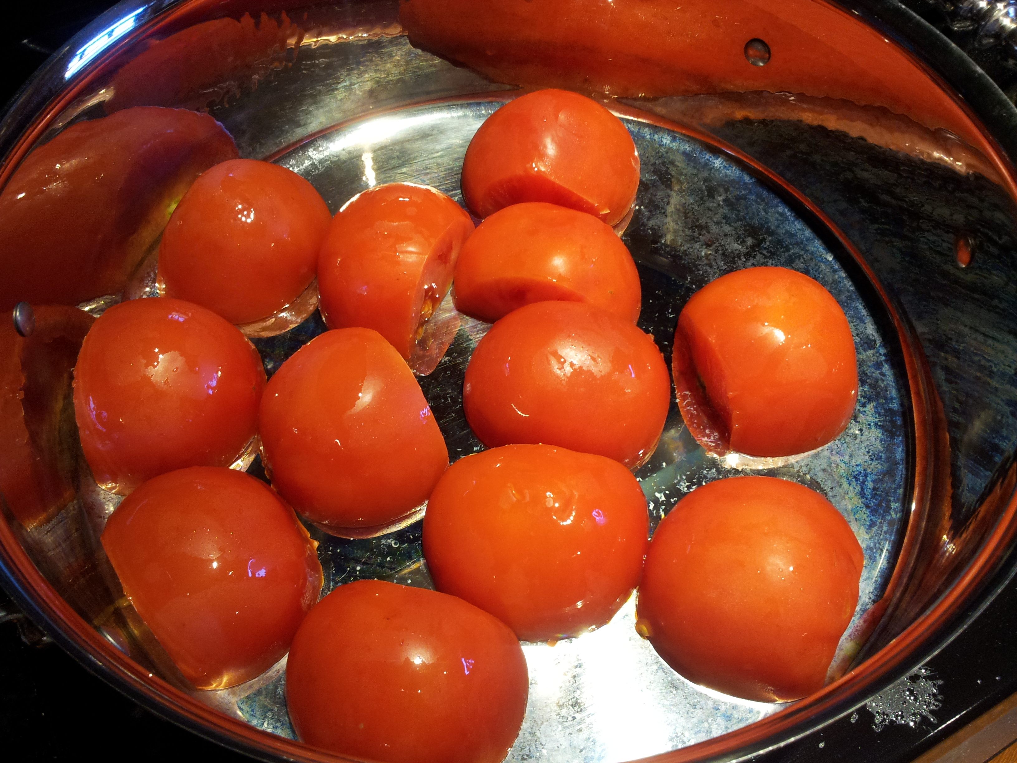 Arranging Tomatoes for Tomato and Cream Sauce in Pan