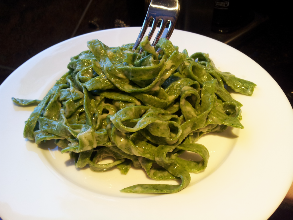 Joshua Kennon - Spinach Fettuccine with Butter and Parmesan Cheese Sauce