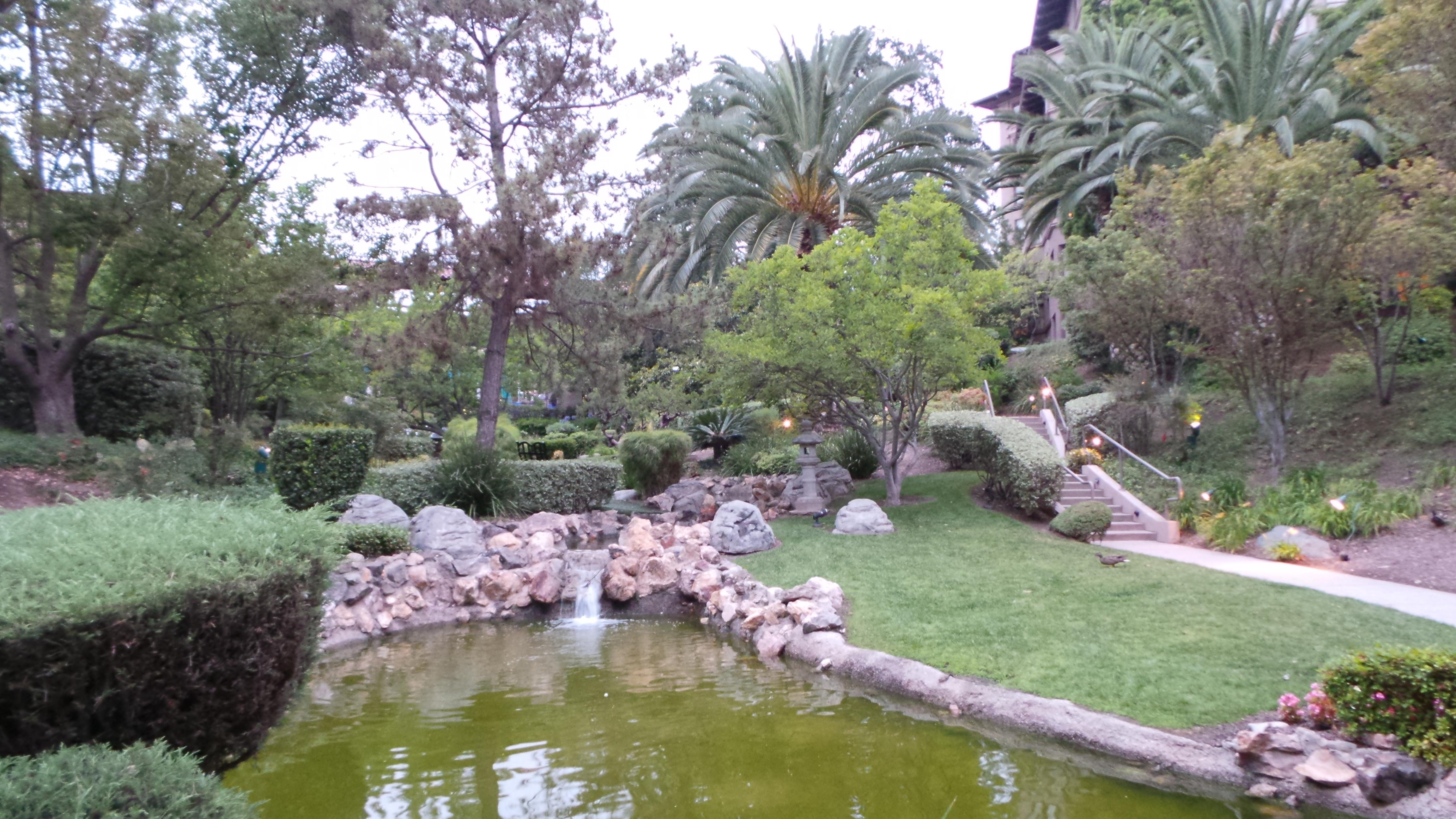 Garden at The Langham Hotel Huntington