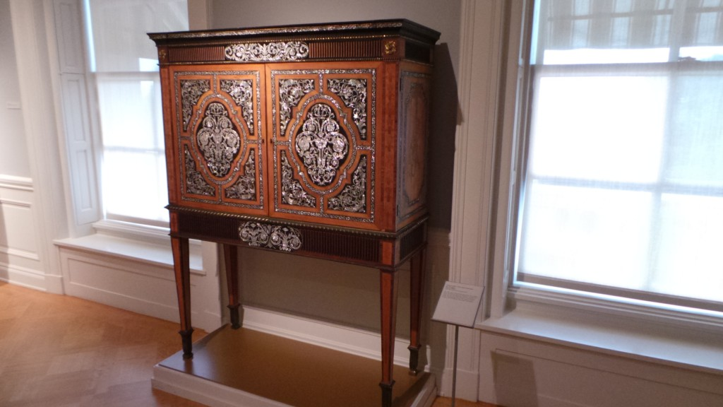 Huntington Pasadena Furniture Collection