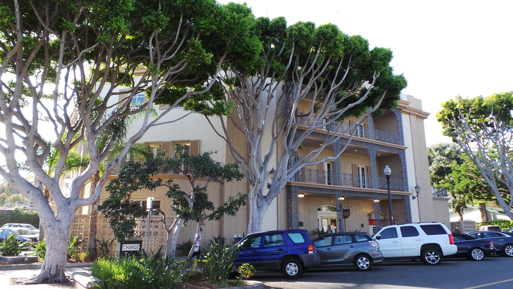 Wells Fargo Laguna Beach California Beautiful Trees