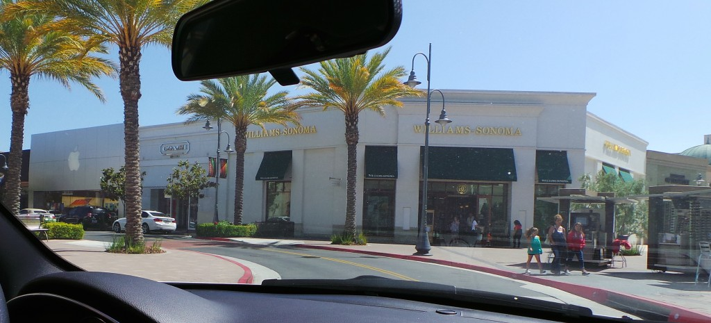 Williams Sonoma and Apple Store Temecula California