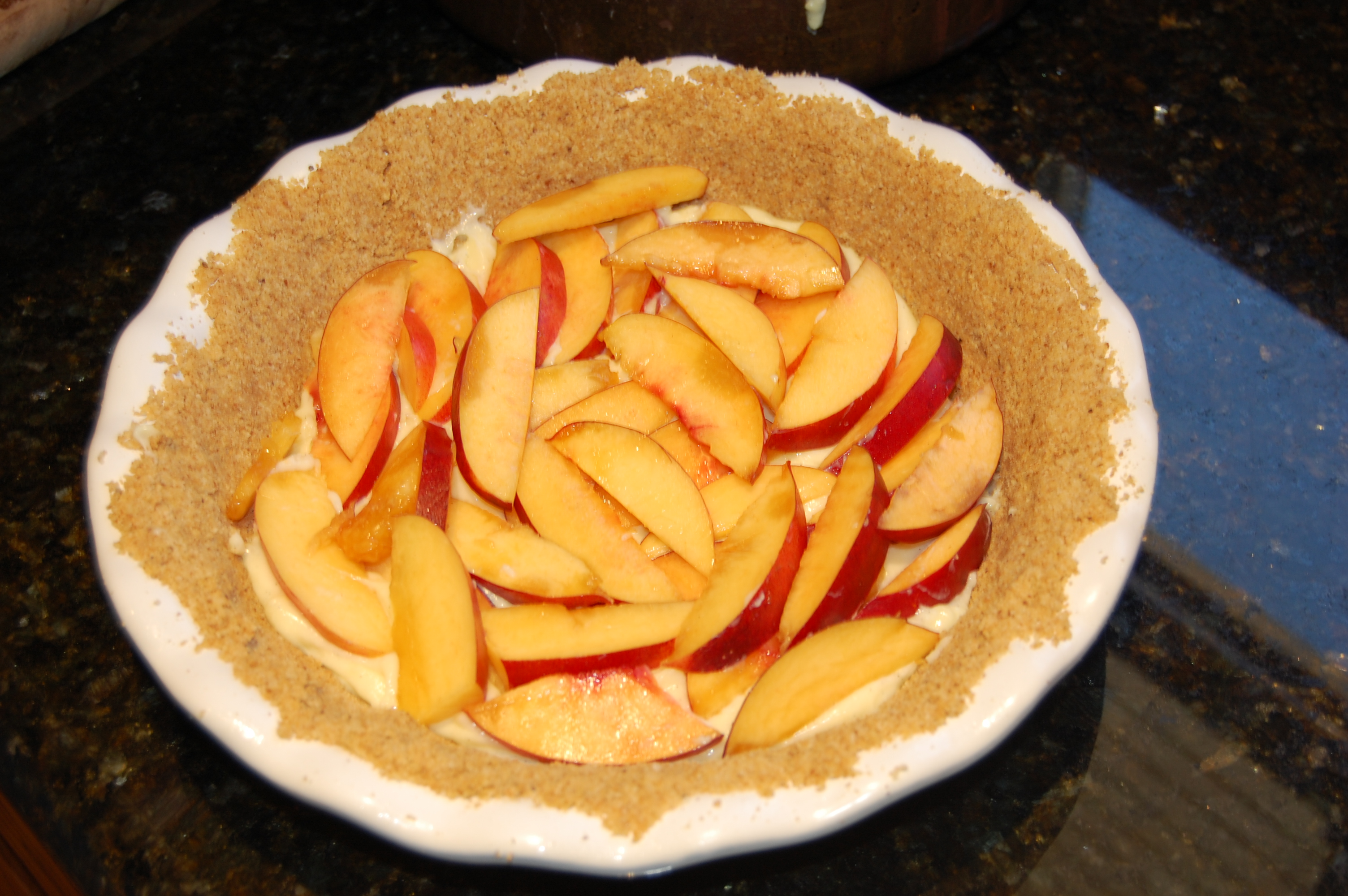 Filling Nectarine Cream Pie with Fruit