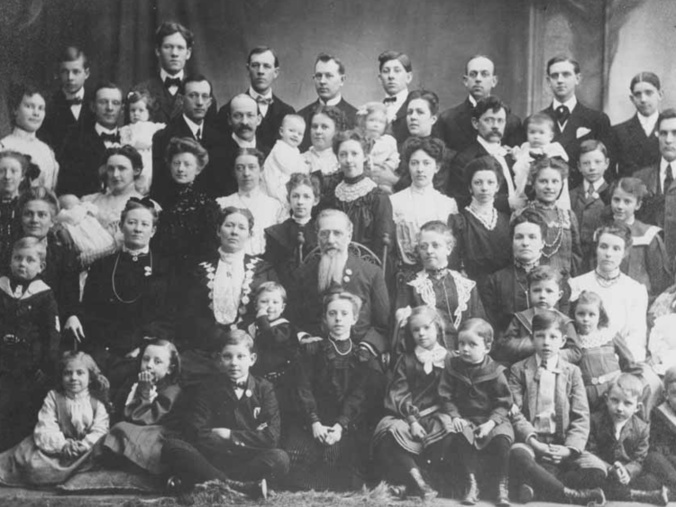 the issue of polygamy in the united states The polygamy dilemma  is plural marriage a dead issue in mormonism  pressure from the united states to eliminate polygamy was looked upon as a direct refusal.
