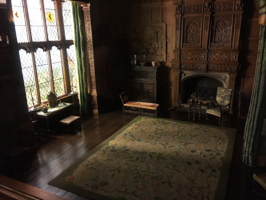 Thorne Miniature Chicago Art Institute English Bedchamber of the Jacobean or Stuart Period 1603-88 Windows