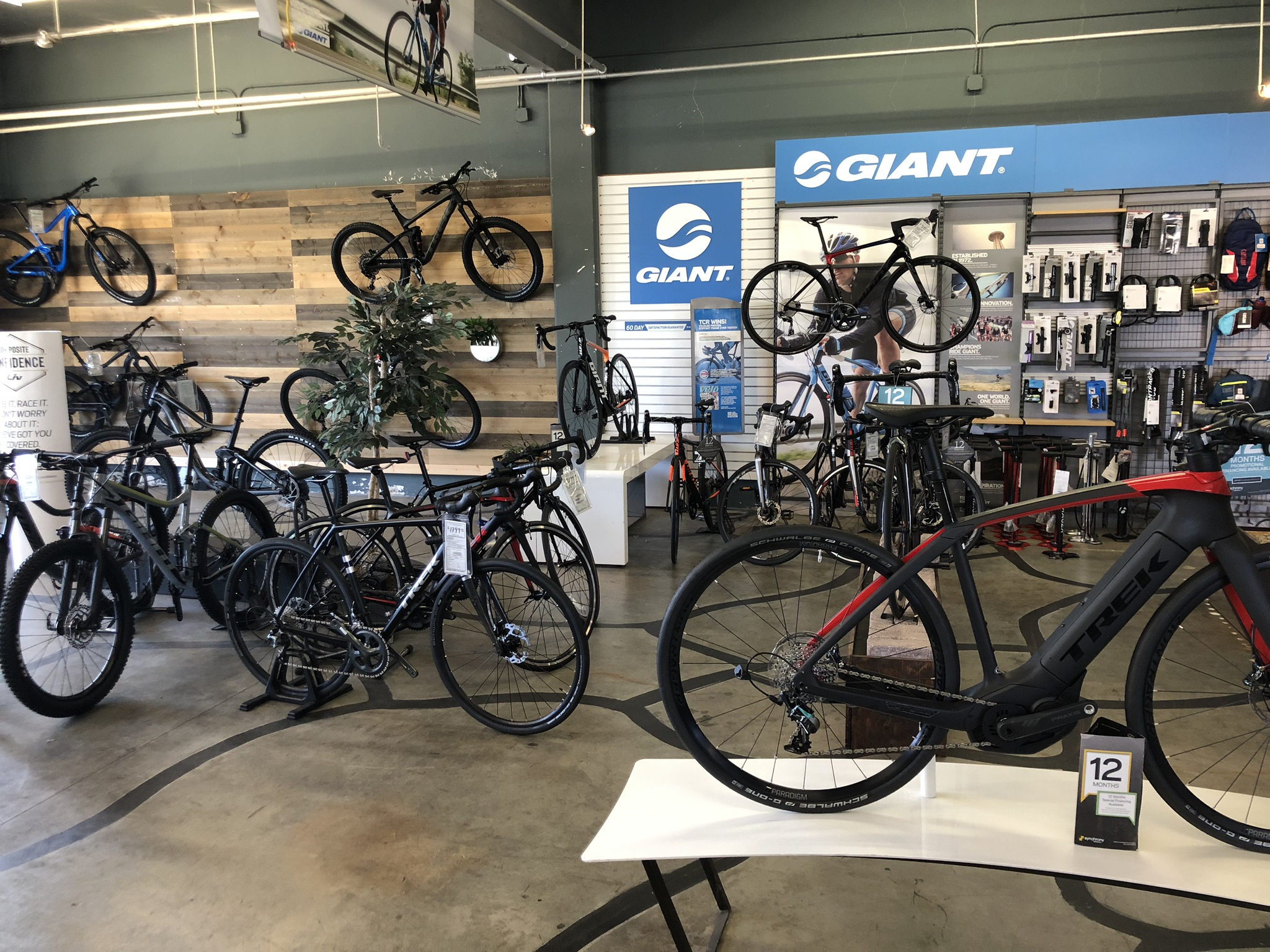 Bicycle Store in Costa Mesa California 4