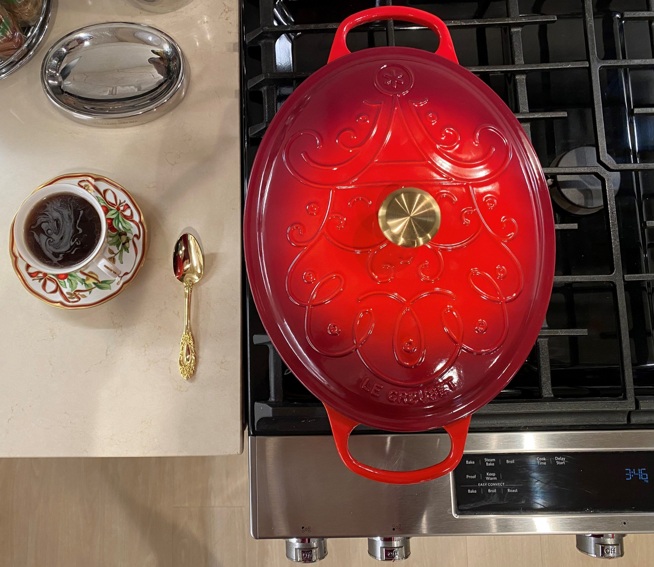 Joshua and Aaron Kennon-Green - Pairing Tiffany Holiday China with Le Creuset Noel Dutch Oven